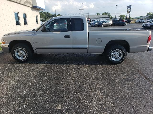Pre-Owned 2000 Dodge Dakota Club Cab 131 WB Base
