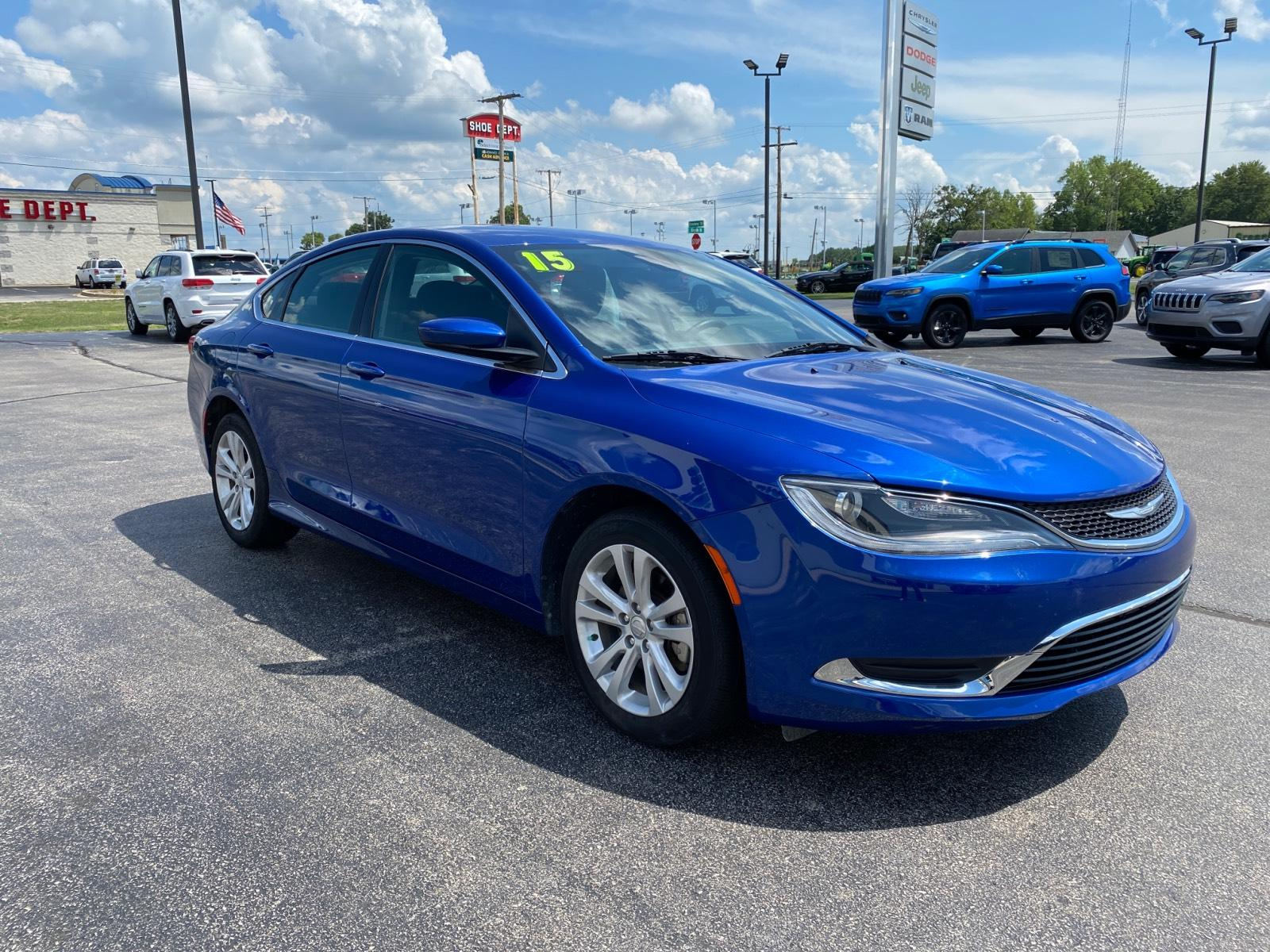 Pre-Owned 2015 Chrysler 200 4dr Sdn Limited FWD