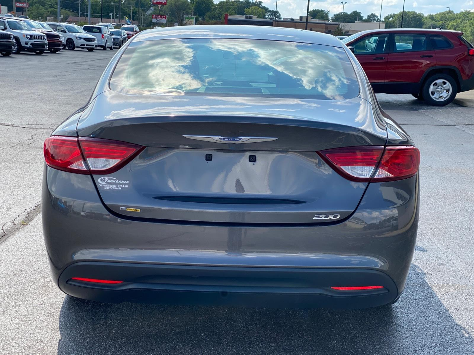 Pre-Owned 2016 Chrysler 200 4dr Sdn LX FWD