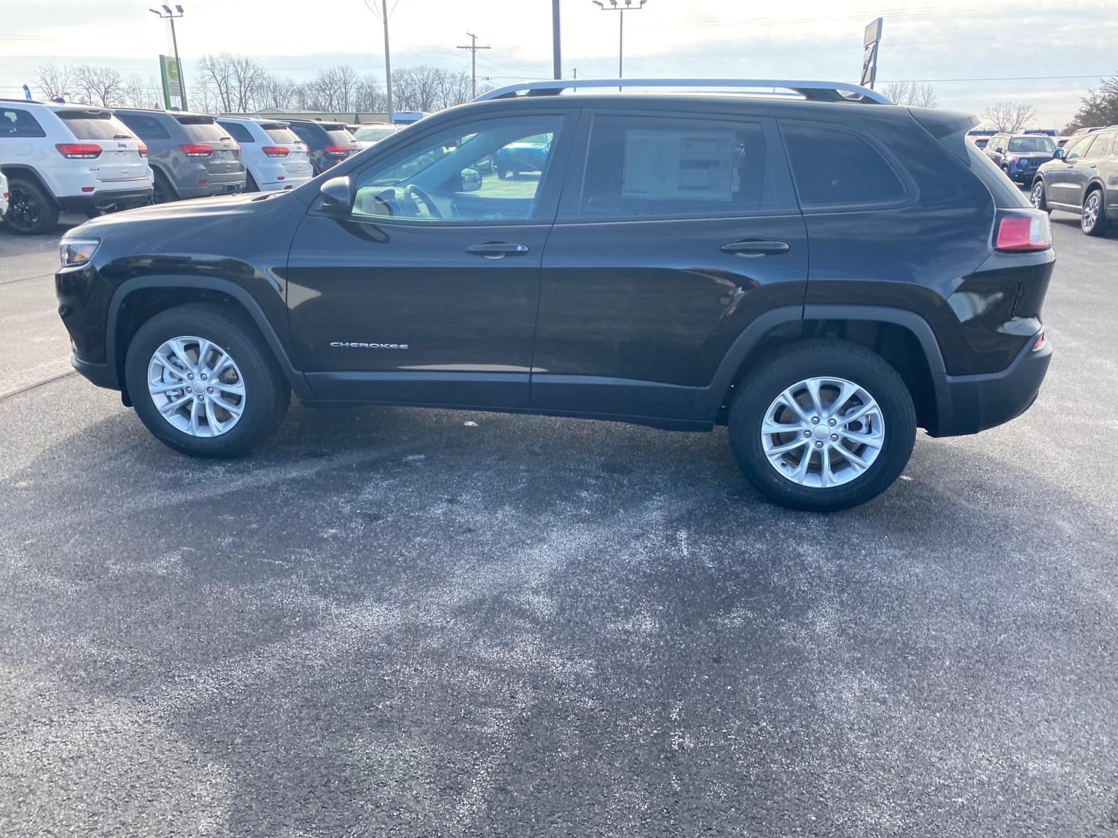 Pre-Owned 2020 Jeep Cherokee Latitude 4x4