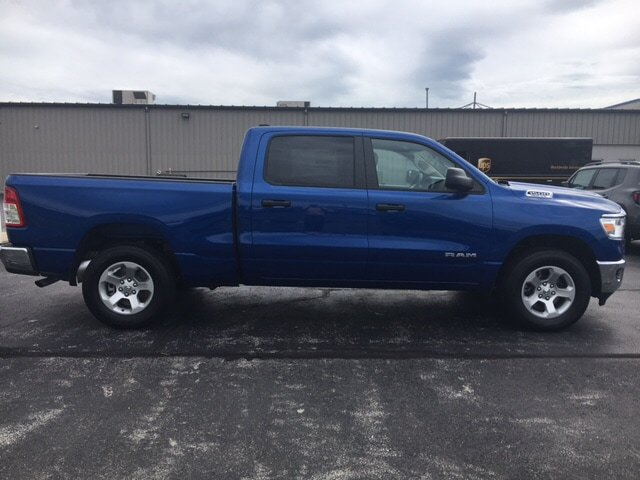 New 2019 RAM All-New 1500 Tradesman 4x4 Crew Cab 6'4 Box