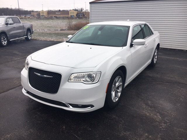 CERTIFIED PRE-OWNED 2015 CHRYSLER 300 LIMITED RWD 4DR CAR