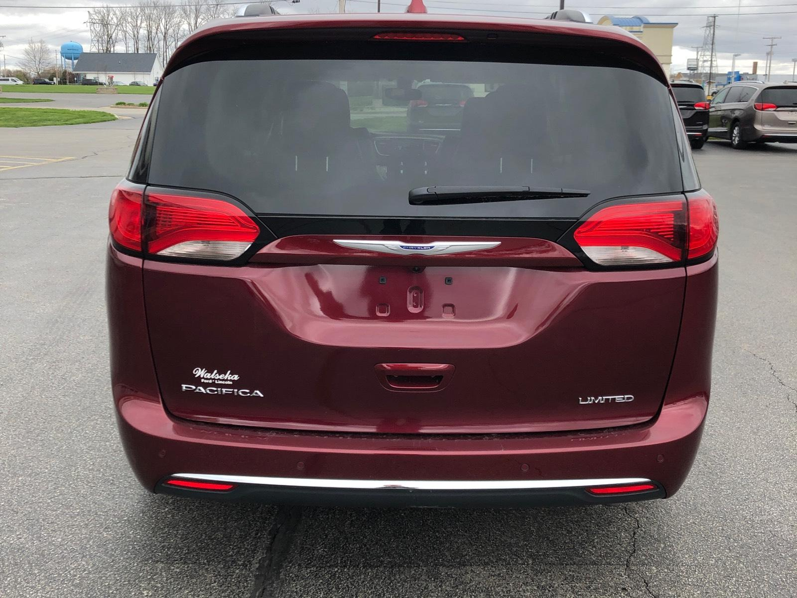 Pre-Owned 2020 Chrysler Pacifica Limited FWD